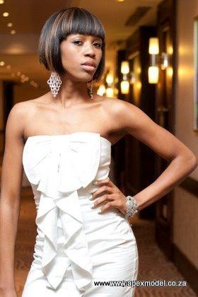 female modeling model donne