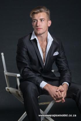 male modelling agencies model harley
